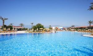 Bayanlara Özel Plajı ve Havuzu ile Asude Tatil Köyü