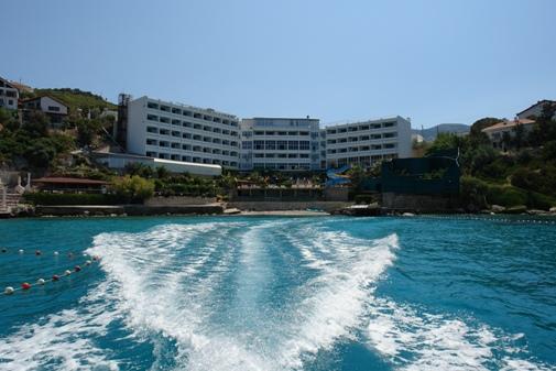 Bayanlara Özel Havuzu ile Clup Asya Hotel Muhteşem Bir Tatil Sunuyor