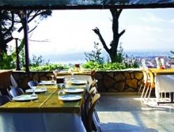 Desde Restaurant Muhteşem Boğaz Manzarasıyla Büyülüyor