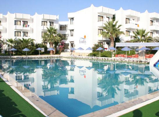 Çeşme'nin Muhafazakar Otellerinden Biri Club Familia Otel