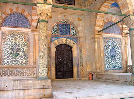 İslam Eserleri Koleksiyonu Louvre'a Sığmadı