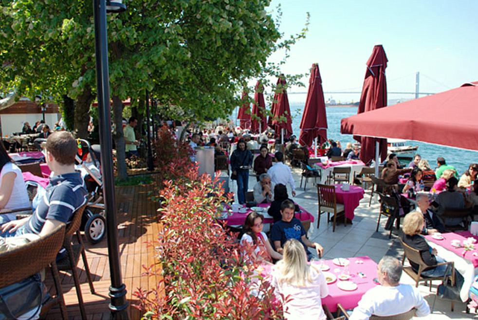 İçkisiz-Alkolsüz Brunch Keyfinin İstanbul'daki Adresi: Yakamoz Kuleli Restaurant