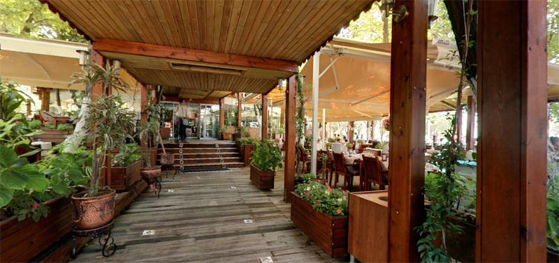 Florya Sahillerinde Görkem'li Bir Kahvaltı