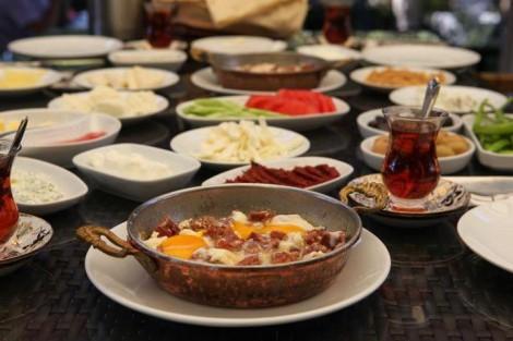 """Gerçek Bir Kahvaltı için """"Şazeli Cafe"""""""