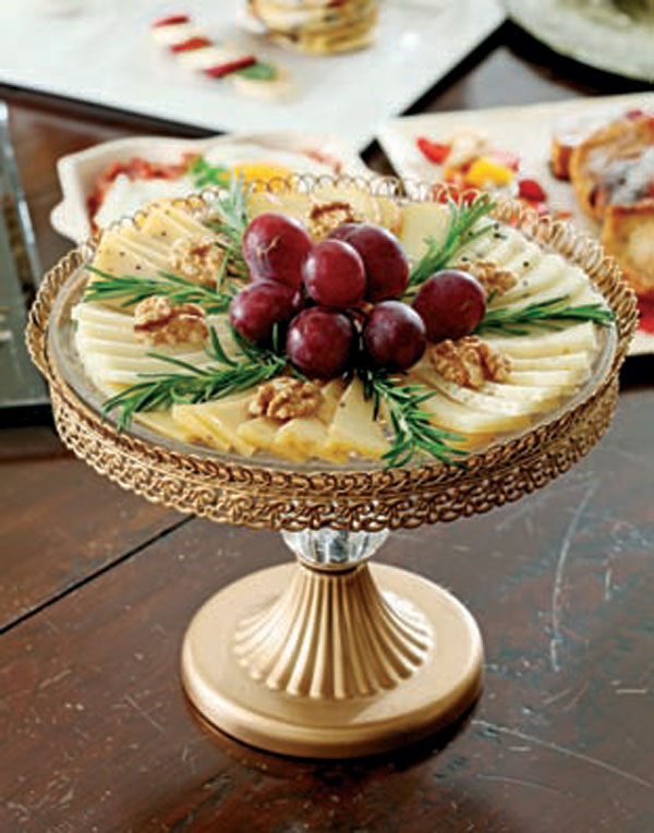 taze meyve ve cevizli peynir tabağı