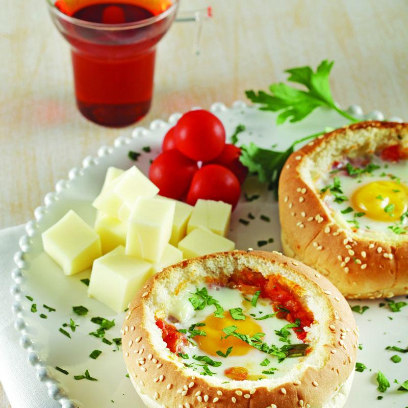 ekmek çanağında yumurta