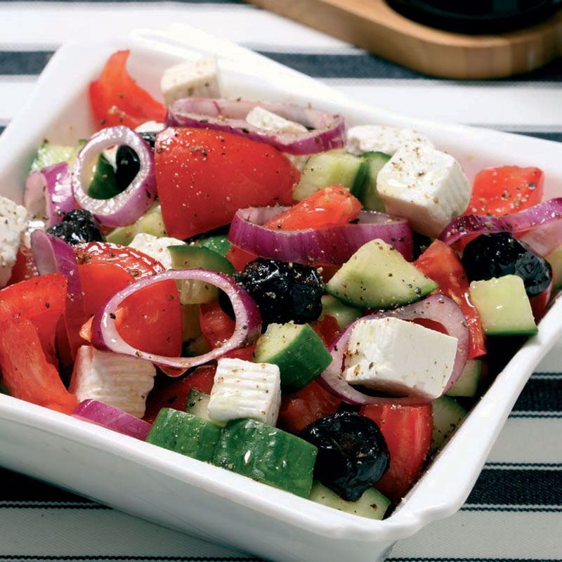 Peynirli kolay salata