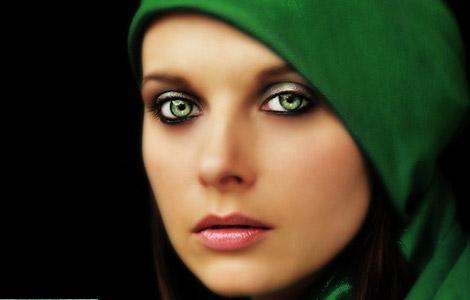"""Pantone 2013 Yılının Rengini Açıkladı """"Zümrüt Yeşili"""""""