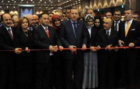 Başbakan Erdoğan Aşk-ı Nebi ve Zikir Taneleri Sergisini Açtı