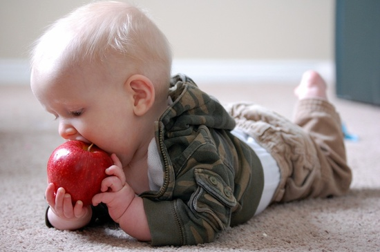 Çocuğunuzu Sebze ve Meyveyle Erken Tanıştırın