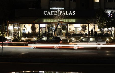 Cafe Palas, Erenköy'de Bir Lezzet Durağı