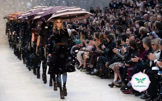 Burberry-2013-Sonbahar-Kış-Trençkot-Modelleri
