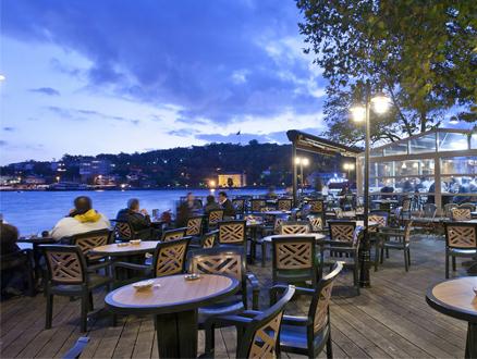 Boğaz Manzaralı Cafe: İstinye İskele Çay Bahçesi