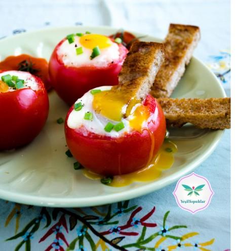 Domates-Çanağında-Yumurta