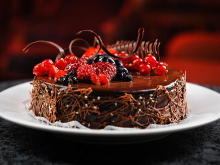 Leziz Çikolatalı ve Frambuazlı Pasta Tarifi
