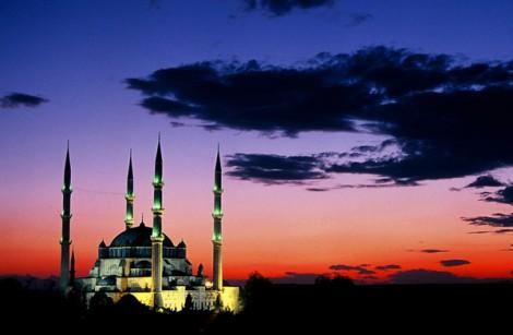 Selimiye Camii'nin Gece Görüntüsü
