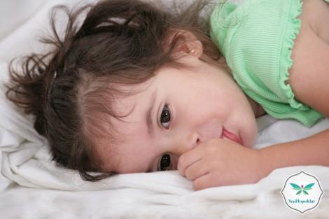 Çocuklarda Parmak Emme ve Tırnak Yeme Sorunu