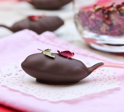 Çikolata ve Güllü Kaşıkta Truffle Tarif
