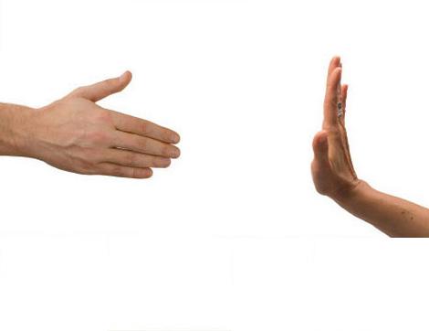 Kadın ve Erkek Birbirleriyle Tokalaşabilir mi