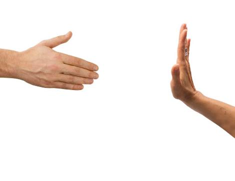 Kadın ve Erkek Birbirleriyle Tokalaşabilir mi?