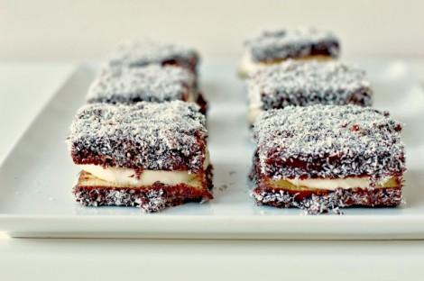 Beyaz Çikolata Kremalı Lokum Kek Tarifi