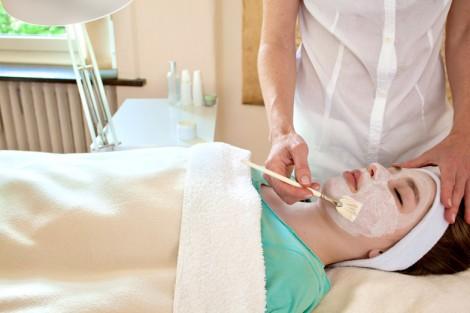 Peeling Tedavisi İle Cildinizi Tazeleyin