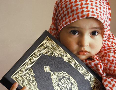 Saliha Bir Anne Kızını Nasıl Yetiştirmeli?