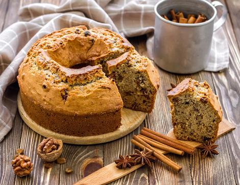 Kokusu Üzerinde Tarçınlı Kek