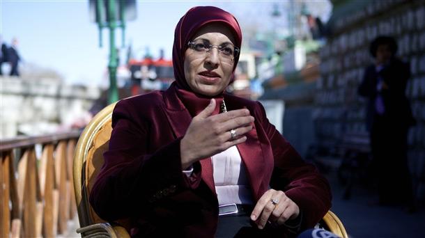 İlk Başörtülü Belediye Başkanı Fatma Toru