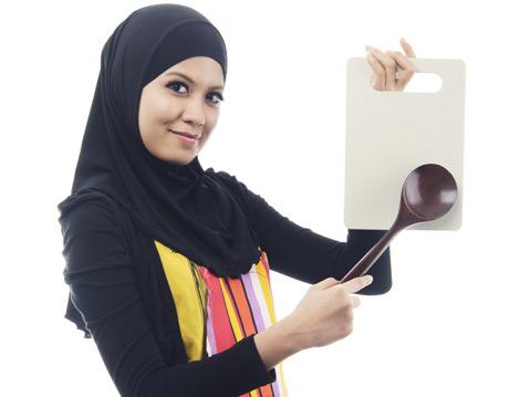 İslam'a Göre Kadın Evinde İş Yapmaya Mecbur mudur?