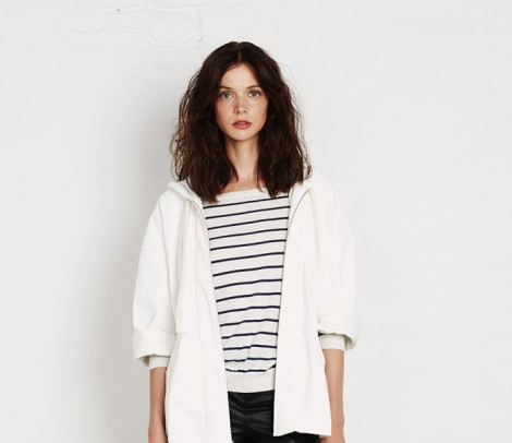 Siyah Beyaz Çizgili Bluzleri Giymenin Püf Noktaları