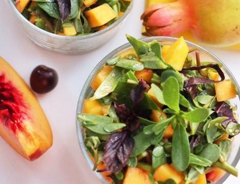 Formuna Dikkat Edenlere: Semizotlu Şeftalili Salata