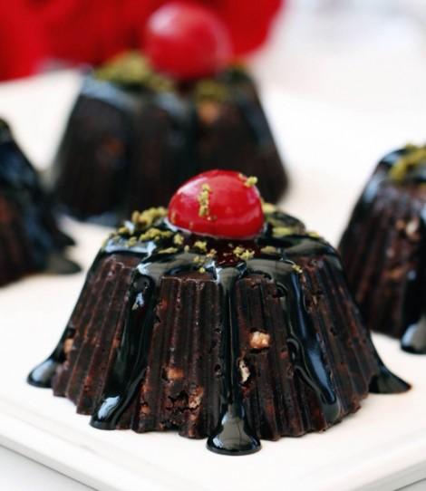 Çikolatalı Hanımeli Pasta Tarifi