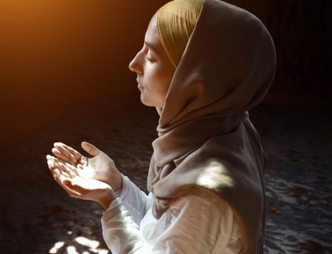 Müslüman Kadının Evinde İbadet Etmesi