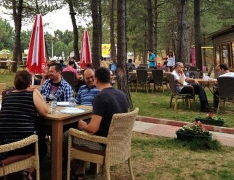 """Yeşillikler İçinde Nezih Bir Mekan """"Orman Cafe & Restaurant"""""""