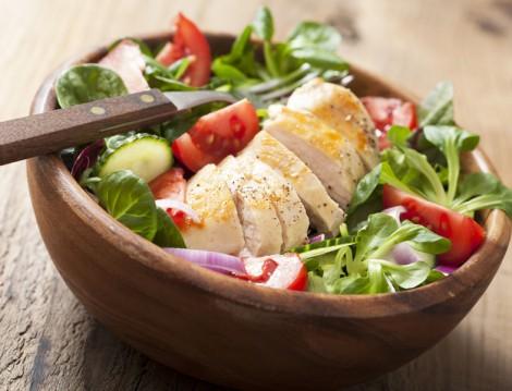 Izgara Tavuk Salatası