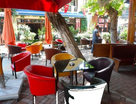 Mahallenin Muhtarları Cafe