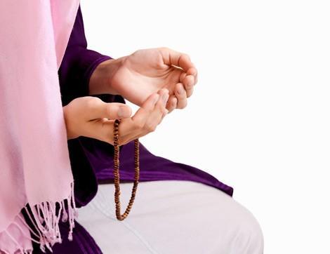 Hamile Kadın Namazını Oturarak Kılabilir mi?