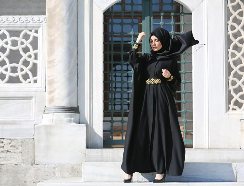 4a7a4df89e847 Mezuniyet Elbiselerinde Tek Parça Zarafeti