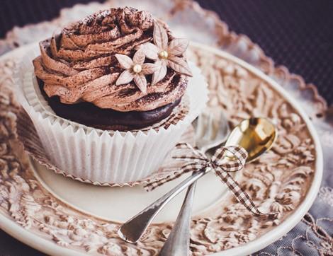 Çikolata Tadına Doyacağınız Nefis Bir Cup Kek Tarifi
