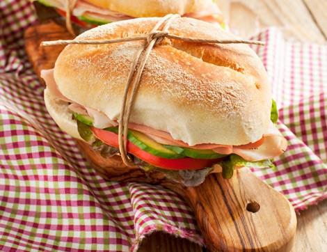 Tadına Doyulmaz Sandviçin, Ekmeğini Evde Yapın!