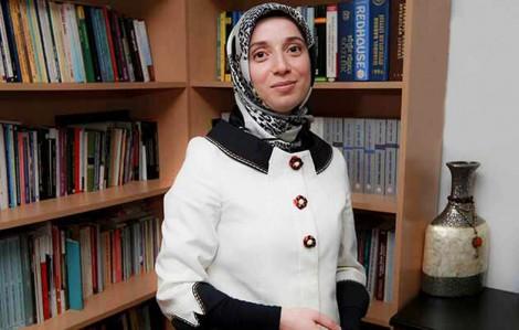 Başörtülü Milletvekili Fatma Benli