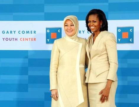 Stilleriyle Siyasete Renk Katan Kadınlar