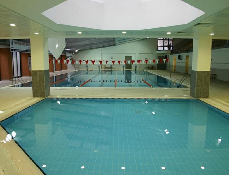 İstanbul'daki Olimpik Havuzlar Ümraniye Çakmak