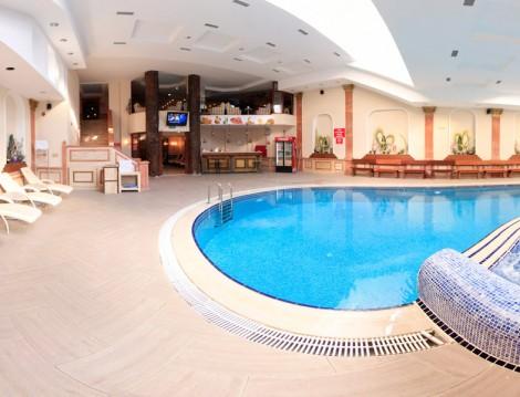 İstanbul'daki Yüzme Havuzları Flowers Health Club