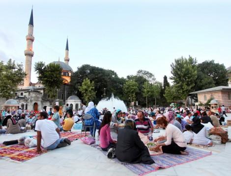 Eyüp Sultan'da İftar