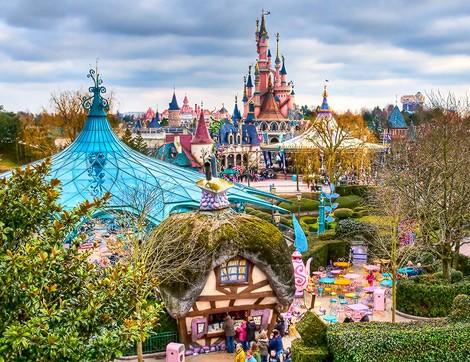 Sonbaharın Hüznü Disneyland Tatili ile Eğlenceye Dönüşsün