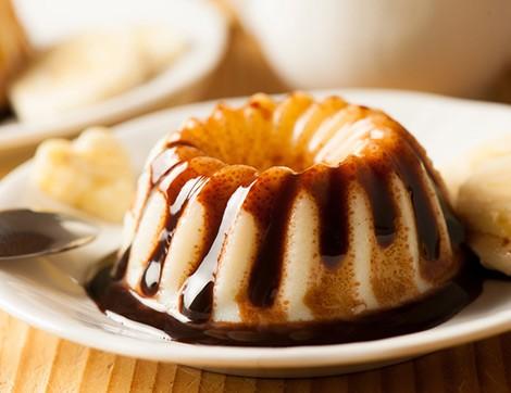 Çikolata Soslu Vanilyalı Puding Tarifi