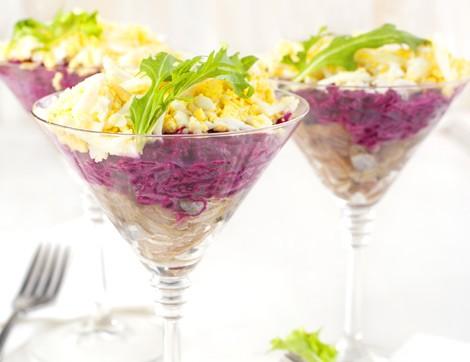 Değişik Sunumuyla Mor Lahana Salatası Tarifi