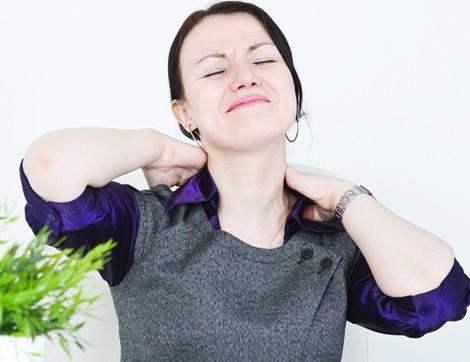 Omuz Ağrılarının Nedenleri ve Tedavi Yöntemleri